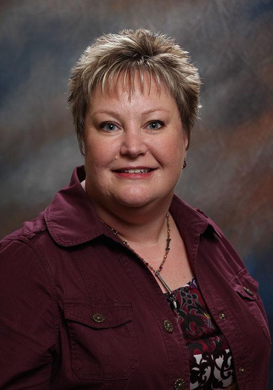 Julie Henderson headshot